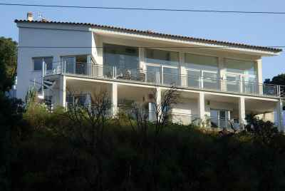 Modern house with high quality finishes in Costa Brava